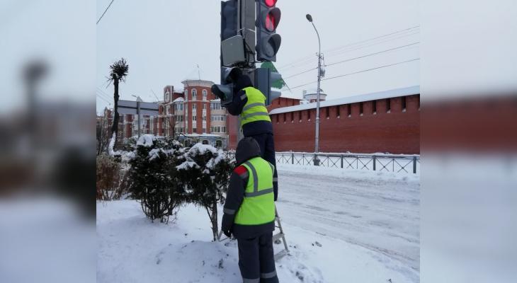 Властям потребовалась две недели для починки светофора в центре Йошкар-Олы