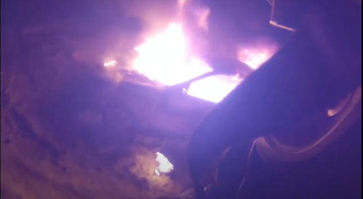 Пожарный с GoPro снял видео тушения огня от первого лица