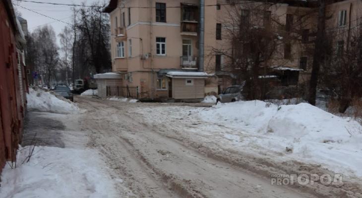 """""""Во дворе застревают даже грузовики"""": йошкаролинка пожаловалась на работу домоуправления"""