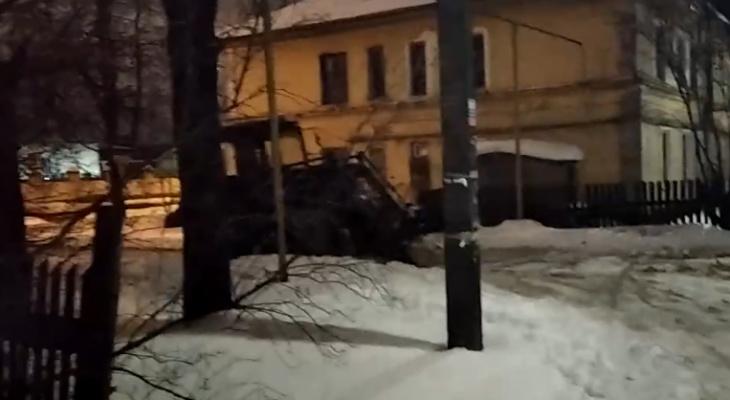 Йошкаролинцы жалуются на снегоуборочную технику, которая мешает спать