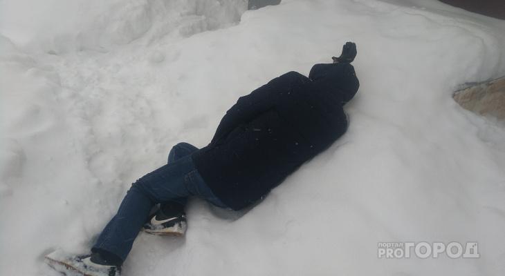 В Йошкар-Оле обнаружили мертвого мужчину у подъезда многоквартирного дома