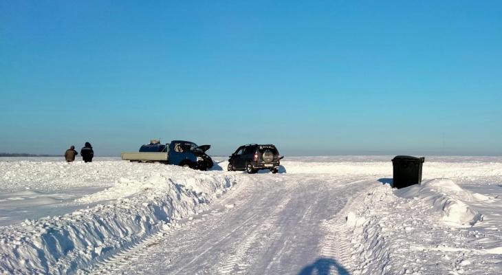 """В снежном поле Марий Эл столкнулись грузовик и """"Нива"""": есть пострадавшие"""