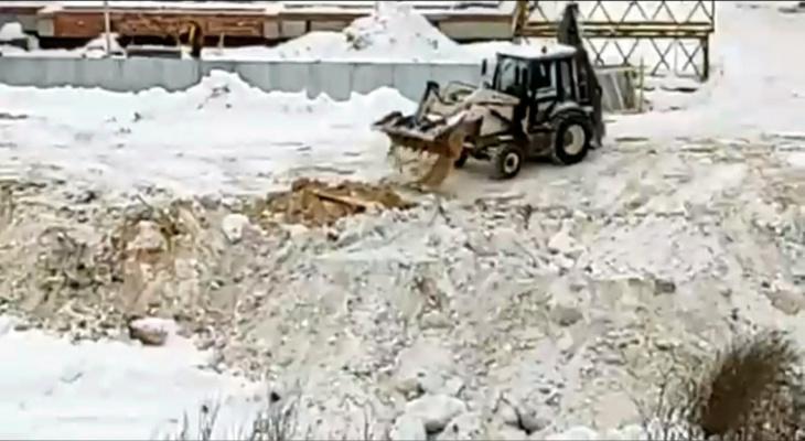 Администрация Йошкар-Олы накажет виновных в сбросе стройматериалов в пруд