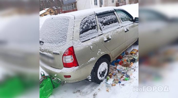 Жители Марий Эл придумывают новые изощренные способы борьбы за парковочные места