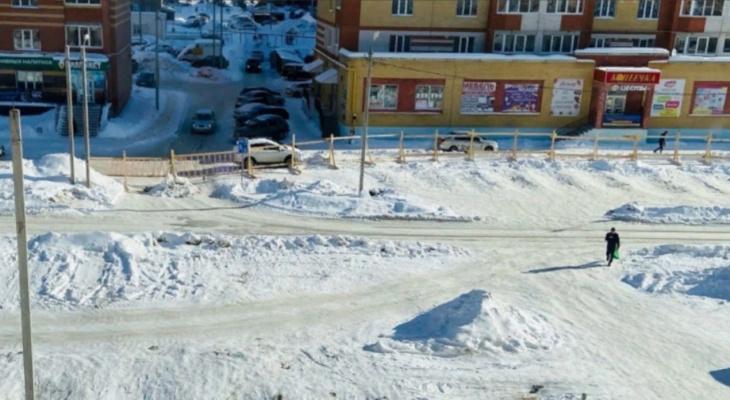 На одной из улиц Йошкар-Олы затруднено движение из-за перекрытия Петрова