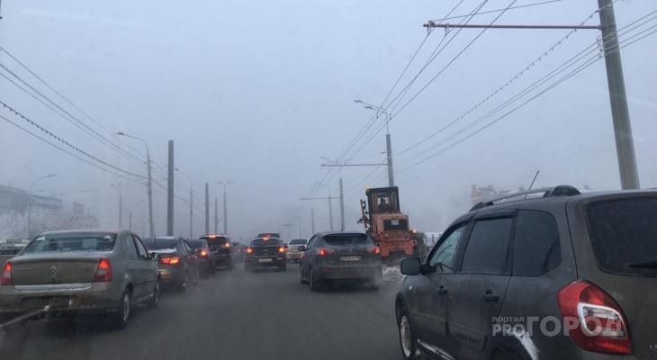 Подъезд к центру Йошкар-Олы  «заблокировало» пробками
