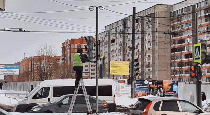 Ежедневные пробки в Йошкар-Оле устраняют, изменяя работу светофоров