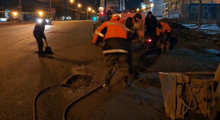 В Йошкар-Оле продолжается ямочный ремонт дорог