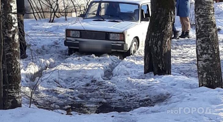 Йошкаролинцы рассказали о чистке дворов: «Застревает каждая вторая машина»