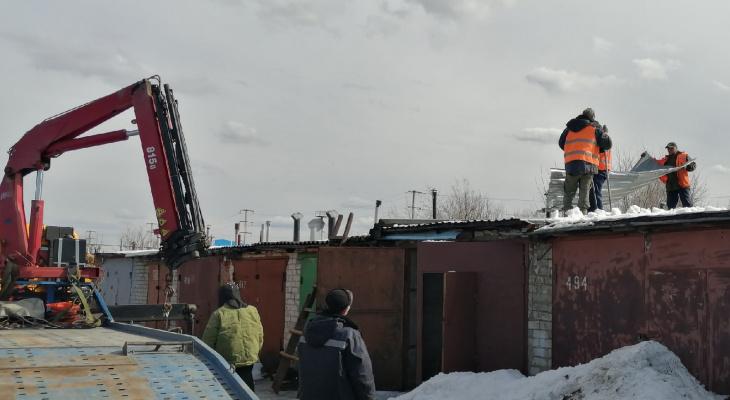 В Йошкар-Оле снесли первые гаражи, мешающие строительству магистрали