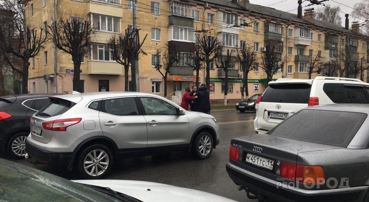 В центре Йошкар-Олы легковушка сбила мужчину