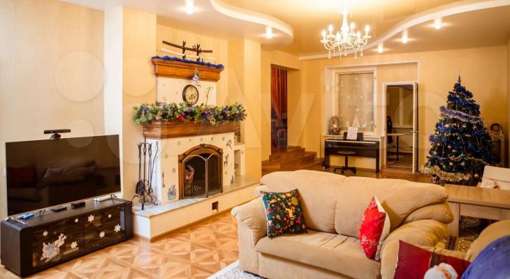 Камин, высокие полотки и сауна: заглядываем внутрь квартиры за 5,5 миллионов