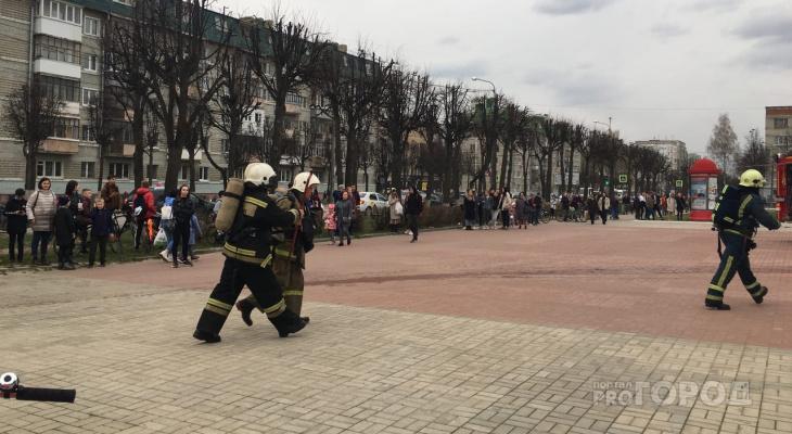 «Девочка пела и на ее лице появился испуг»: следователи проверяют, почему произошел пожар в ДК имени ХХХ-летия Победы