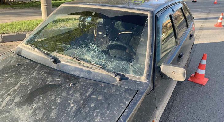 «Головой ударилась об лобовое стекло»: в Йошкар-Оле на переходе сбили 12-летнюю девочку