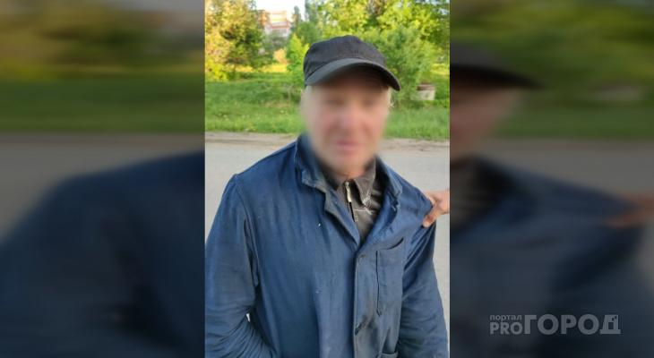 «Сидел в кустах с телефоном»: в Йошкар-Оле вновь поймали мужчину, который фотографировал девочек