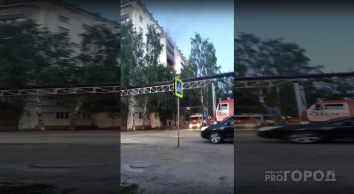 В пригороде Йошкар-Олы загорелась панельная многоэтажка