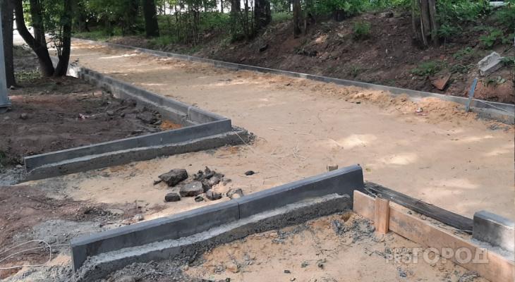«Ого, наконец-то асфальт!»: в Центральном парке Йошкар-Олы появится новый тротуар