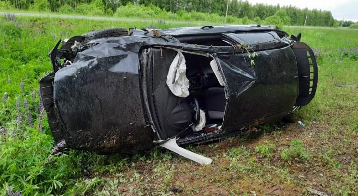 «Семейный хэтчбек лежал на боку»: в Марий Эл пьяный водитель перевернул автомобиль