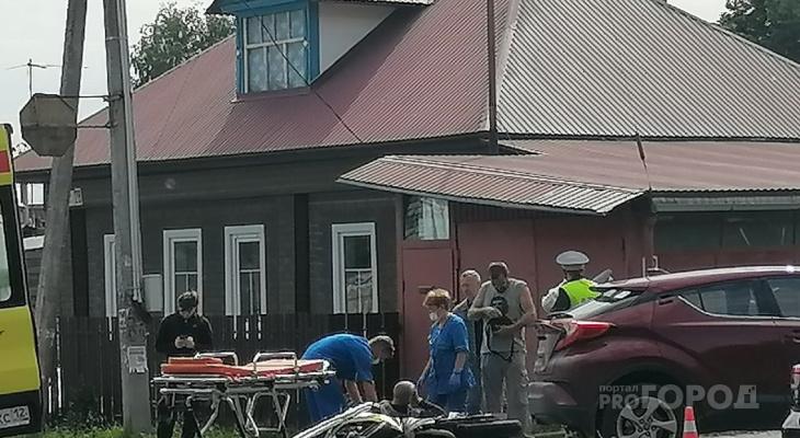 На Лебедева в Йошкар-Оле новенькая иномарка сбила мотоциклиста