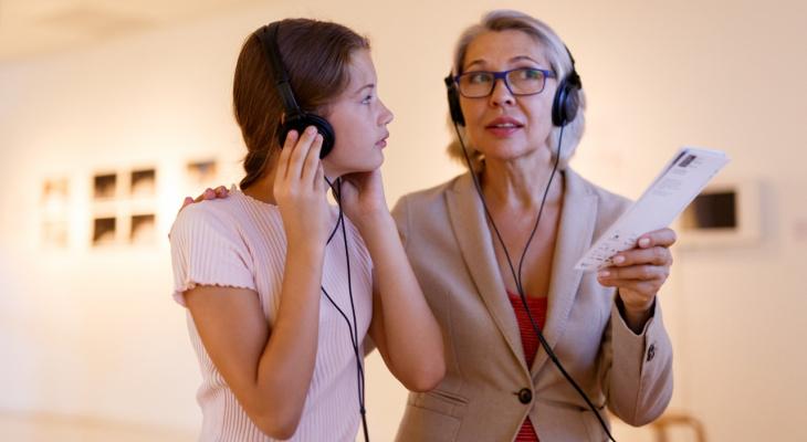 Клиенты Tele2 могут слушать аудиогиды izi.TRAVEL по подписке