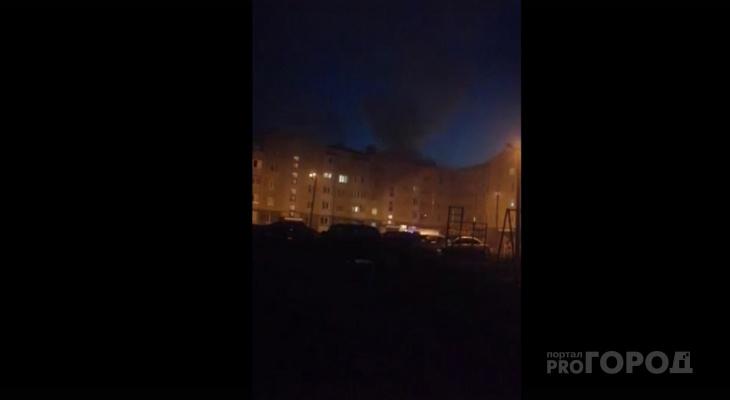 Ночью в Йошкар-Оле загорелся жилой многоэтажный дом