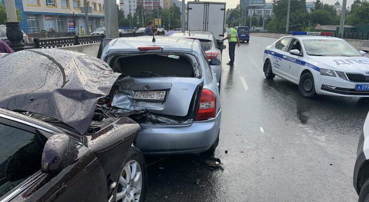 Стало известно, что послужило причиной массового ДТП на Центральном мосту в Йошкар-Оле