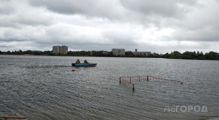 На центральном пляже в Йошкар-Оле ищут утонувшего ребенка