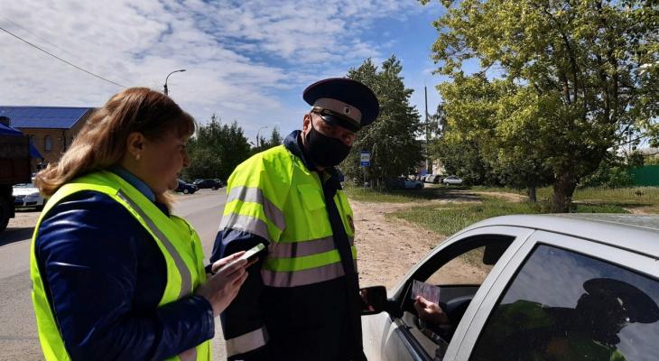 Более сорока водителей из Марий Эл рискнули безопасностью своих детей в авто