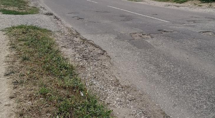 «Пешеходы под угрозой!»: жители Козьмодемьянска обращаются к мэру, с просьбой решить проблему с дорогами