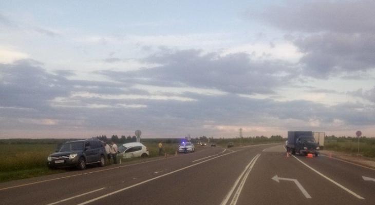 Мужчина пострадал от столкновения Газели и легковушки на трассе Марий Эл
