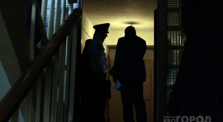 «Не повышай на нее голос» : в Йошкар-Оле поймали мужчину, который воткнул нож в сердце возлюбленного дочери