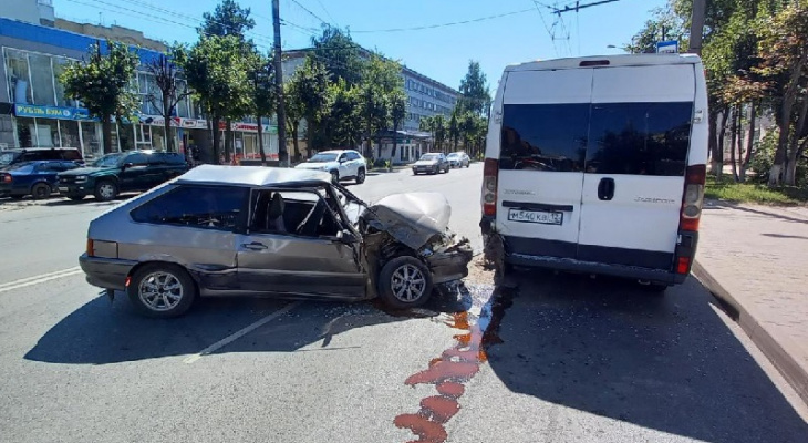 Появились подробности серьезного ДТП с микроавтобусом в Йошкар-Оле