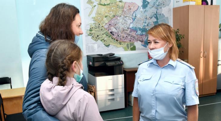 В Йошкар-Оле курсанты колледжа помогли маленькой девочке вернуться домой