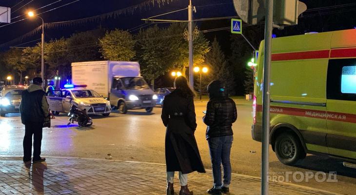 На месте работали медики: у «Неизвестного солдата» в Йошкар-Оле сбили мотоциклиста