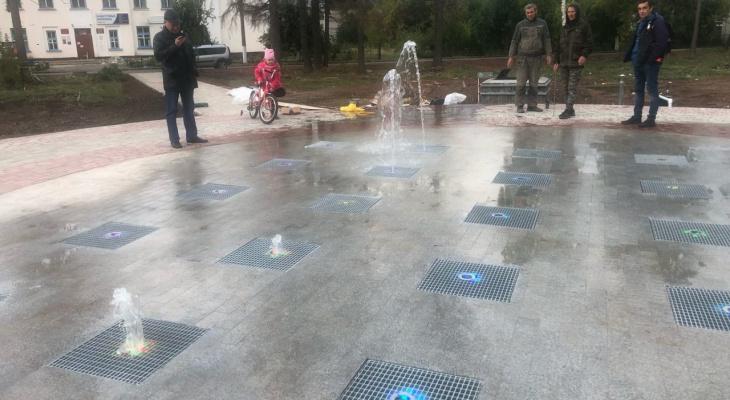 В Марий Эл появился первый тротуарный фонтан