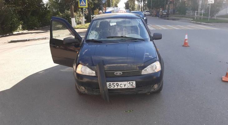 В пригороде Йошкар-Олы престарелый водитель сбил на переходе женщину с ребенком