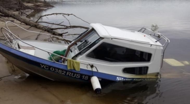 В Звениговском районе затонул катер