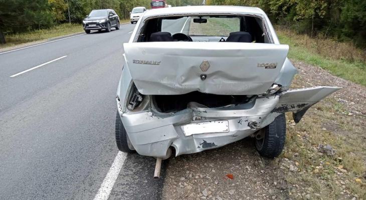 В Марий Эл Niva влетела на большой скорости в иномарку: есть пострадавшие