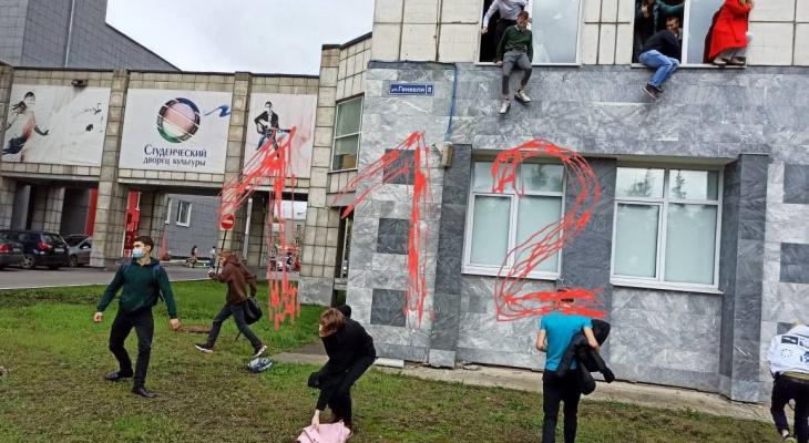Есть пострадавшие: в ПГНИУ неизвестный в маске открыл огонь по студентам
