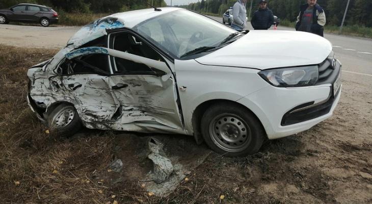 «Машина в мясо»: в Марий Эл произошло страшное ДТП с грузовиком