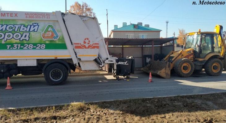«Не поделили мусор»: в Марий Эл тракторист наехал на рабочего, занимавшегося погрузкой мусора
