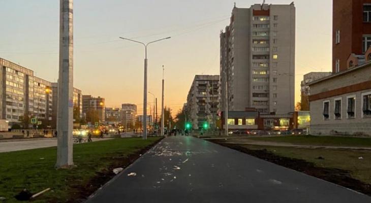 «Скоро закричим: Поехали!»: в Йошкар-Оле строительство дороги на улице Петрова вышло на финальный этап