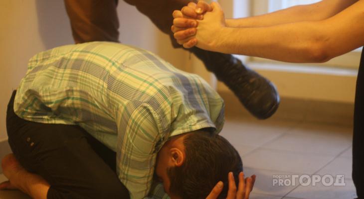 В Новороссийске житель Марий Эл вместе с друзьями напал на прохожего