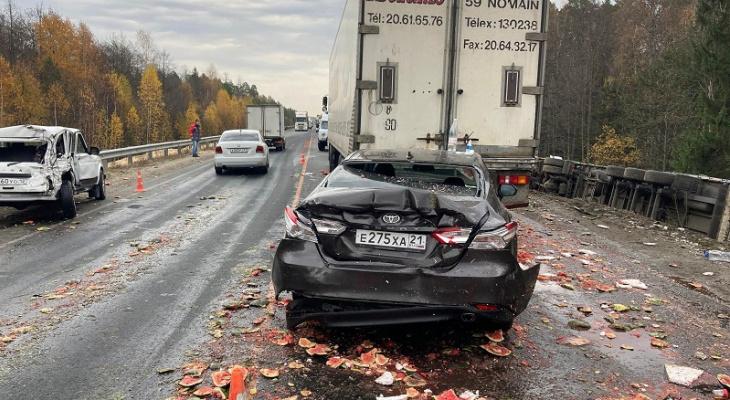 «Штрафов за год больше сотни»: известны обстоятельства массового ДТП с тремя грузовиками в Марий Эл